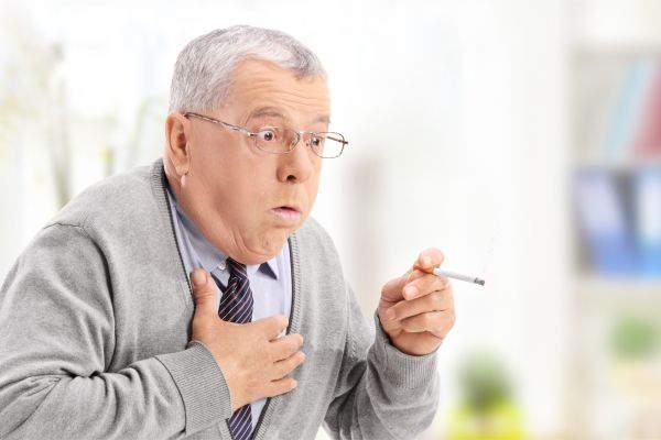 Лечение от курения необходимо, если из-за курения здоровье стало хуже, появилась одышка и кашель картинка