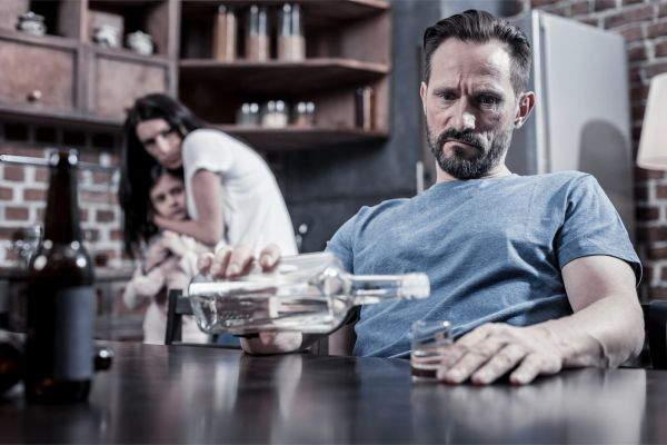Лечение от алкоголизма необходимо, если ваш муж часто пьет картинка