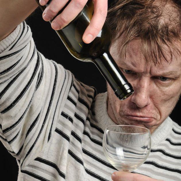 Чем характеризуется стадия декомпенсации при зависимости от алкоголя? Картинка