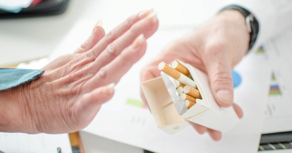 Полный отказ от курения: ✓за 1 сеанс, ✓без лекарств, ✓стойкий результат, ✓до 100% эффективность. Картинка