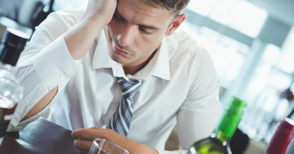 Лечение хронического алкоголизма! ✓Эффективно, ✓Анонимно, ✓Кодирование на 1, 3 или 5 лет, ✓За 1 сеанс! картинка