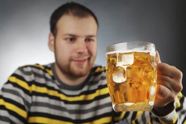 Основные признаки пивного алкоголизма картинка